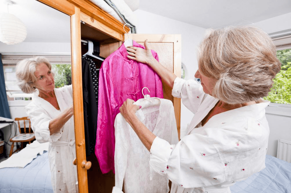 There Are 5 Simple Ways To Organize Your Bedroom Closet